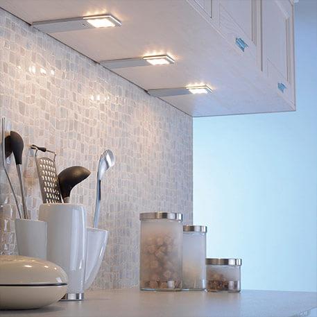 Drei LED-Unterbauleuchten Helena mit Sensor im Set