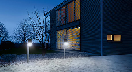 STEINEL XSolar Professional LED-Sensor-Wegeleuchte