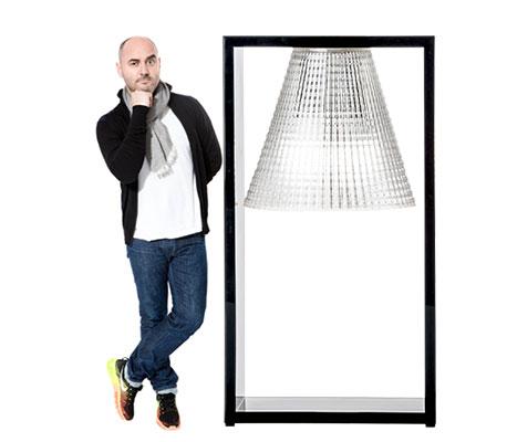 Eugeni Quitllet und Tischleuchte Light-Air