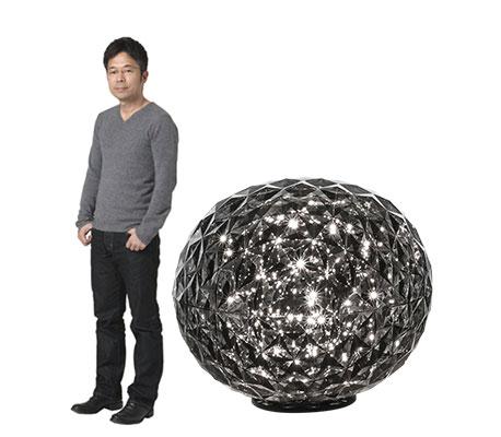 Tokujin Yoshioka und Tischleuchte Planet