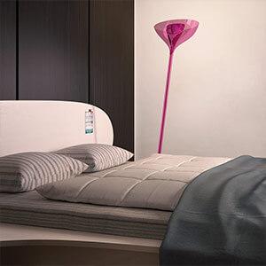 Deckenfluter im Schlafzimmer