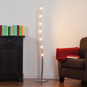 Ausgewählte Bereiche beleuchten mit ausgefallener LED-Stehlampe