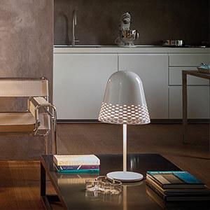 Rotaliana Capri - weisse Tischleuchte, 40 cm hoch