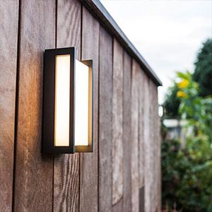 Geradlinige LED-Aussenwandlampe Qubo