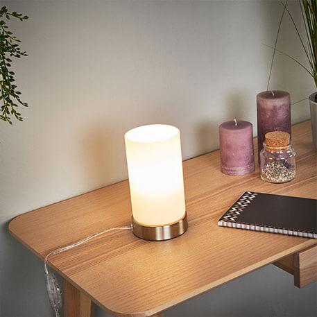 Zylindrische LED-Tischlampe Levka aus Glas